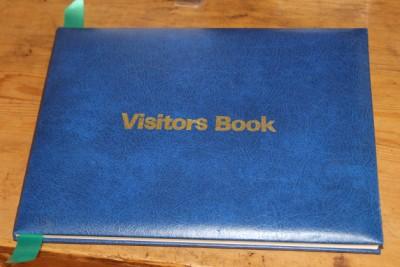 guest book (400 x 267)